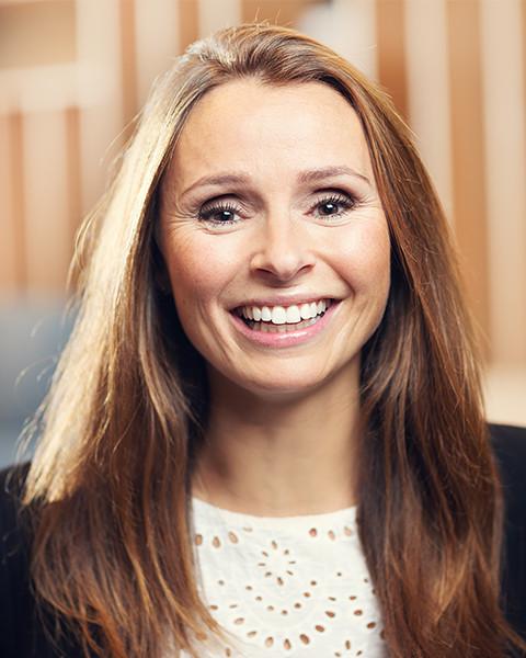 Kari J. Waage Sundgot